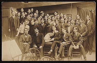 Vaclav Vytlacil and his class at the Art Institute of Chicago