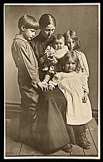 Mary Taylor Brush with her children Gerome, Nancy, Tribbie, and Georgia