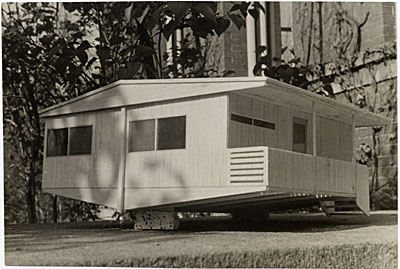 Plas-2-Point prefabricated house, scale model, designed by Marcel Breuer