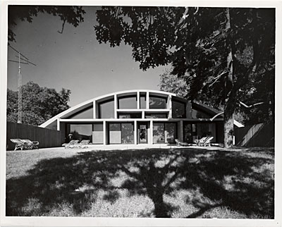 Geller House II, Lawrence, New York. Marcel Breuer and Herbert Beckhard, architects. Ben Schnall, photographer