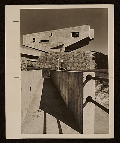 [Bergrish Lecture Hall, Bronx Community College]