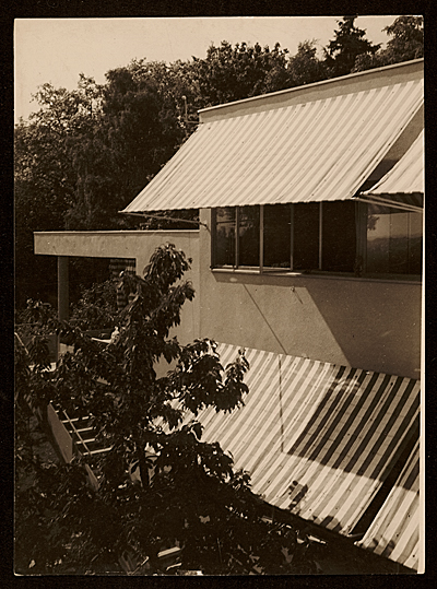 Harnischmacher House in Wiesbaden, Germany, designed by Marcel Breuer. Exterior view