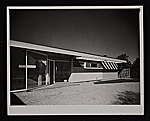 Gagarin House I, Conn., designed by Marcel Breuer.  Entrance view