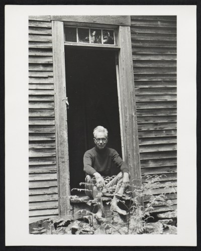 Calvert Coggeshall in the doorway of his studio in Newcastle, Maine
