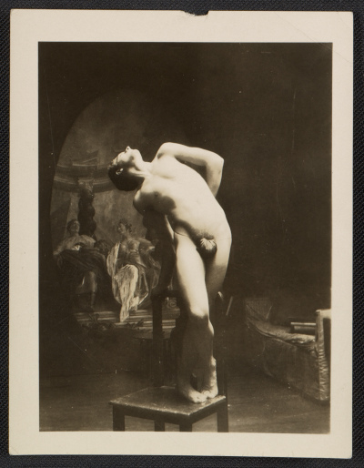 [Unidentified artists' model posing]