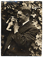 Alfred Lenz with a cat