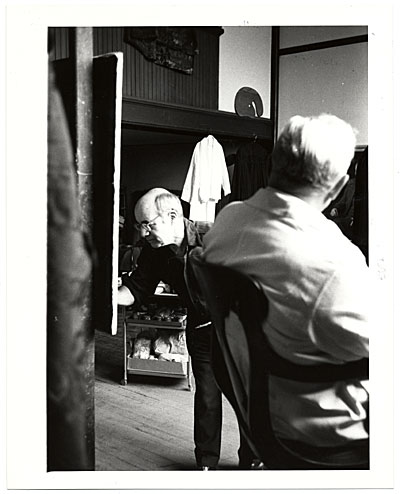 Pietro Pezzati working on a portrait of Lawrence Robbins