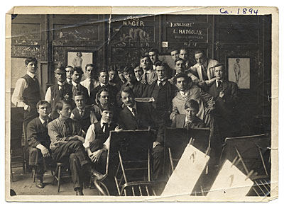 [Frank DuMond with his Art Students League Class]