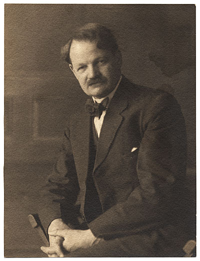 Portrait of Frank DuMond