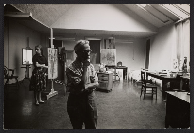 Raphael Soyer in his studio