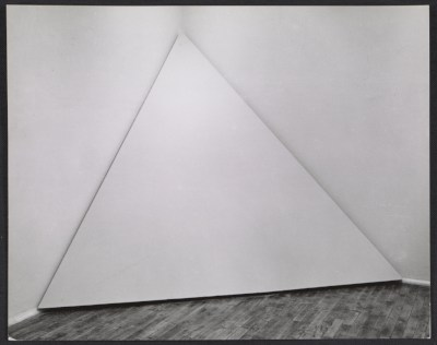 Installation view of Robert Morris Corner Piece (1964) in the Art in Process exhibition at the Finch College Museum