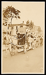 Horse drawn carriage with sign for the Cape Cod School of Art