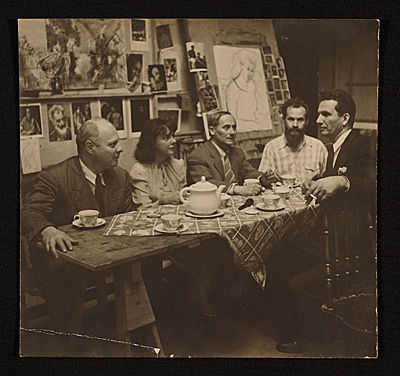 [Carl Holty, Joan Miró and others at tea]