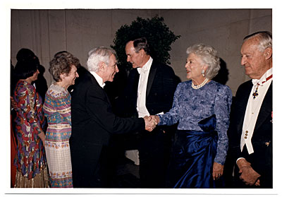 [Jacob Kainen and Mrs. Barbara Bush]