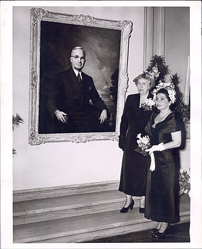 Greta Kempton with Margaret Truman standing before Kemptons first portrait of Harry S. Truman