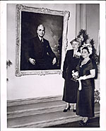 Greta Kempton with Margaret Truman standing before Kempton's first portrait of Harry S. Truman
