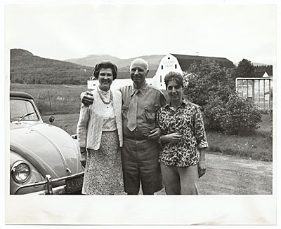 Rockwell Kent and two unidentified women at Asgaard Farm