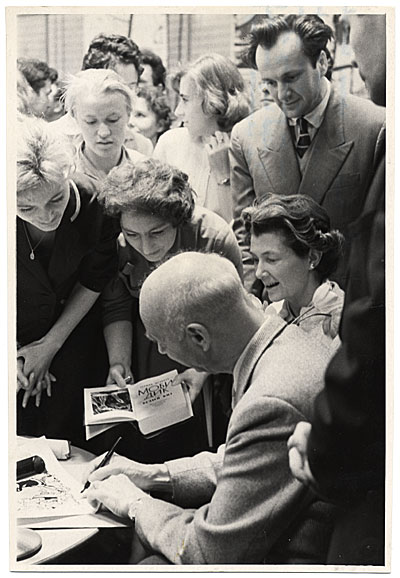 Rockwell and Sally Kent at a book signing in Moscow