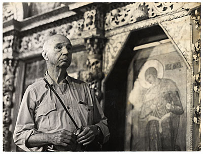 [Rockwell Kent in a local church during a visit to the USSR]