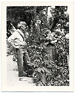 John and Dolly Sloan in the garden of their Santa Fe ranch