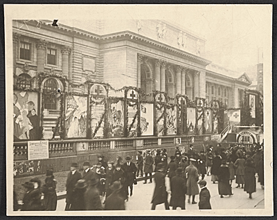 World War I fund drive in front of the New York Public Library