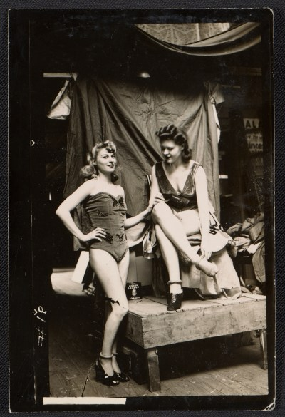 [Two artists' models in Walt Kuhn's 18th Street studio]