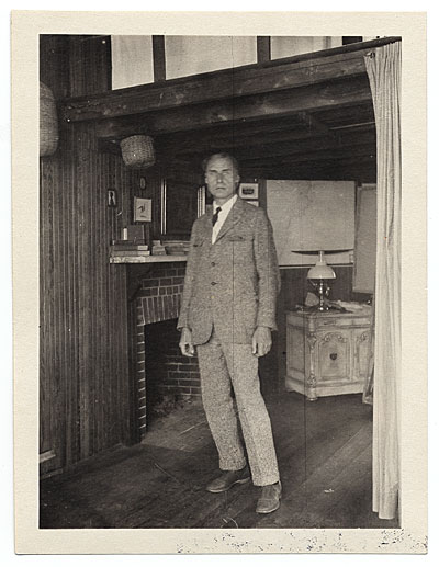 Walt Kuhn in his studio in Maine