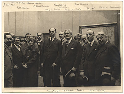 [Artists at the Trinational Exhibition in Paris 1925]