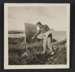 Walt Kuhn painting outdoors in Ogunquit, Maine
