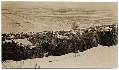WWI soldiers in the trenches