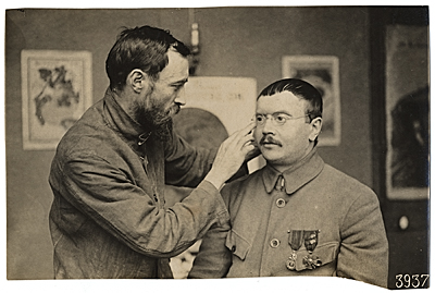 [WWI soldier facial reconstruction documentation photograph]