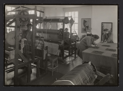 Dorothy Liebes in the weaving studio