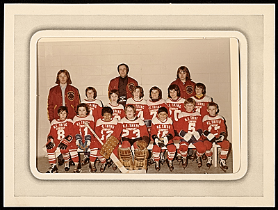 [Hockey team sponsored by N.E. Thing Co.]