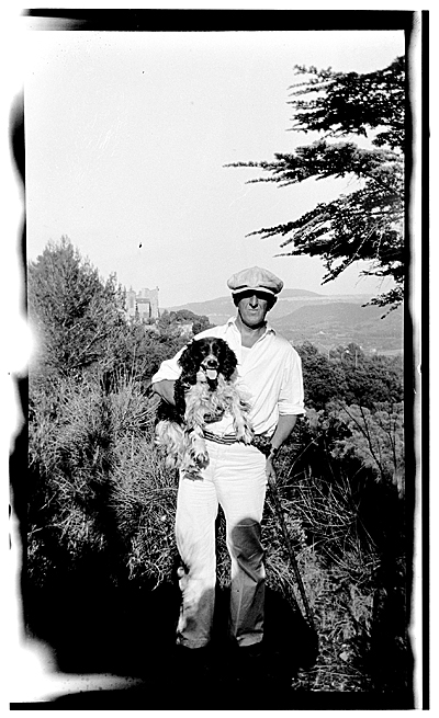 [Marsden Hartley and his dog in Aix en Provence, France]