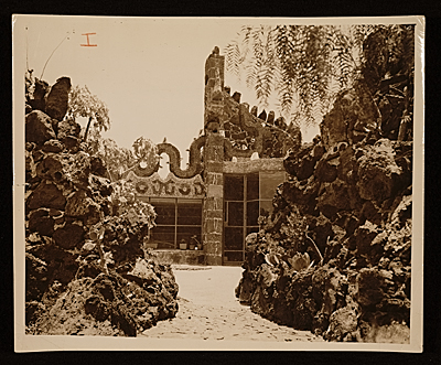 [Juan O'Gorman house.  View of roof terrace]