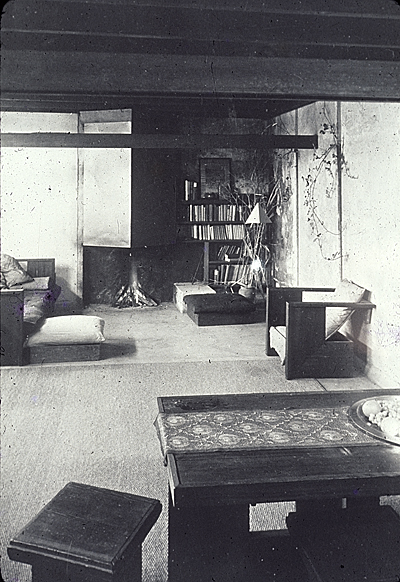 Schindler House, Kings Road, interior vertical