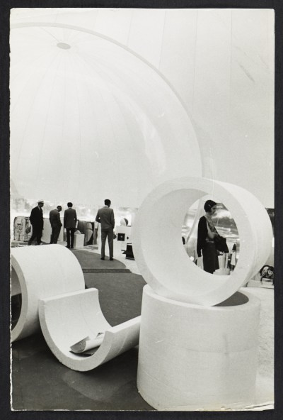 [Inflatable structure at the Milan Triennale, 1969. Design by Paolo Lomazzi, Donato D'Urbino, and Jonathan De Pas.]