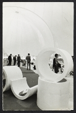 Inflatable structure at the Milan Triennale, 1969. Design by Paolo Lomazzi, Donato D'Urbino, and Jonathan De Pas.