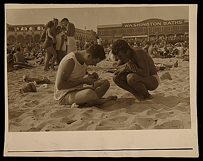 Melcarth and an unidentified man on the beach