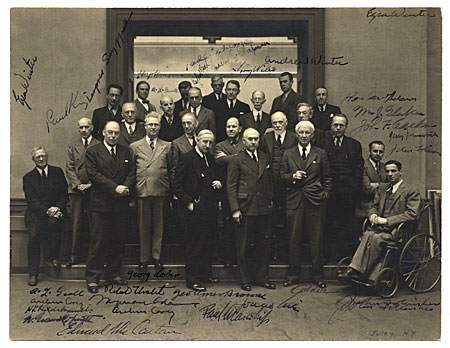 [Formal group portrait of artists]