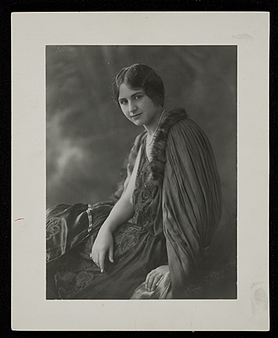 [Louise Nevelson as a young woman]