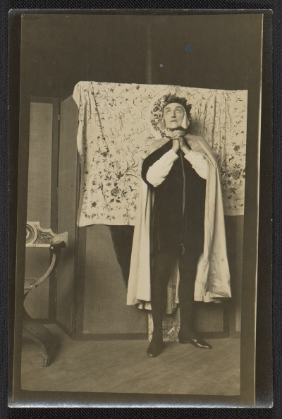 Mills Thompson posing for Violet Oakley's Dante window