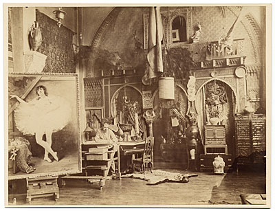 [Georges Clairin in his studio]