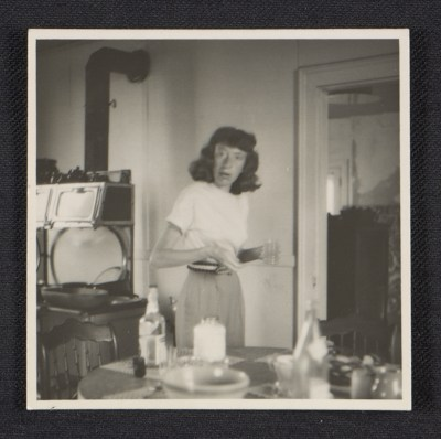 [Lee Krasner in the kitchen]