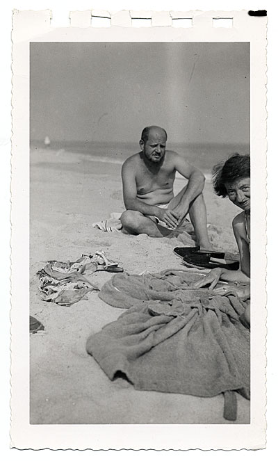 [Jackson Pollock and Lee Krasner at the beach]