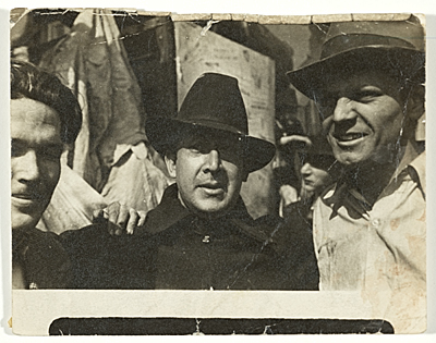 [George Cox, David Alfaro Siqueiros, and Jackson Pollock in New York]