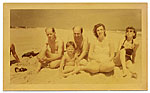 Jackson Pollock, Clement Greenberg, Helen Frankenthaler, Lee Krasner and an unidentified child at the beach