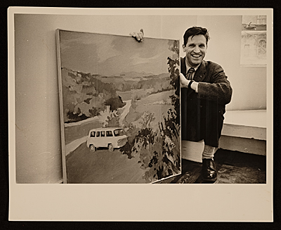 Fairfield Porter with painting of his Chevrolet van, at the Tibor de Nagy Gallery