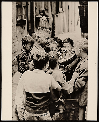 [Josef Presser with school children in Chartres, France]