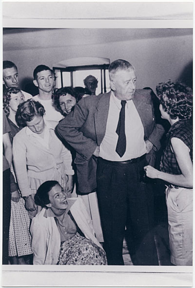 Oskar Kokoschka with his students at the School of Seeing